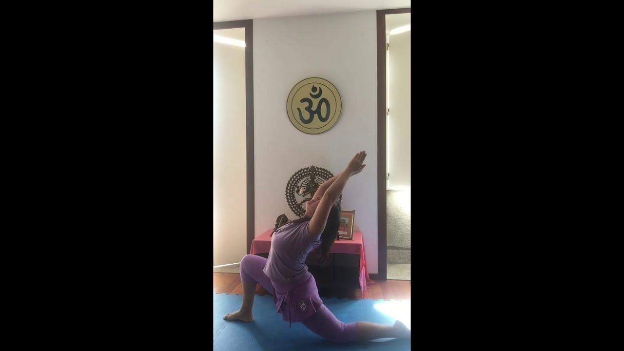 Pratique Yoga e seja naturalmente Saudável e Feliz